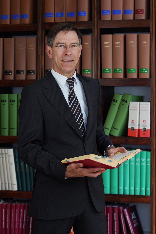 Rechtsanwalt Sven Skana